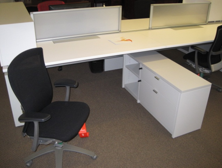 Knoll Benching Table